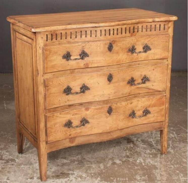 Country French Serpentine Front Chest
