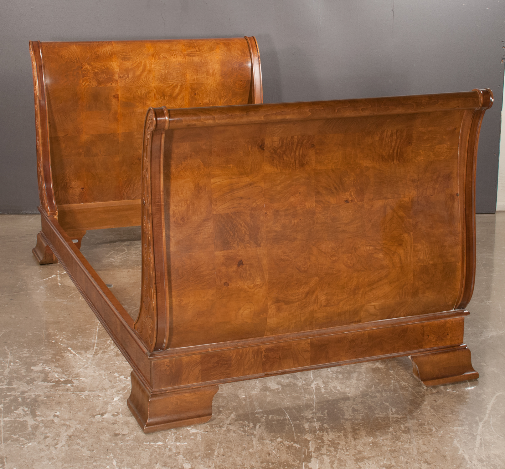 Walnut Twin Size Sleigh Bed