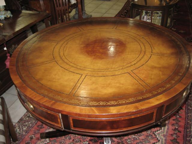Sheraton Style Rent Table