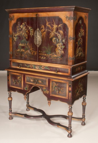 William & Mary Lacquered Coromandel Chinoisserie Cabinet
