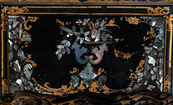 Inlaid Georgian Papier-Mâché Tea Caddy
