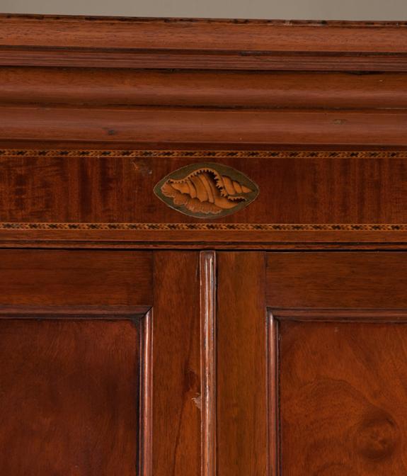 Fine 18th Century Chippendale Mahogany Corner Cupboard