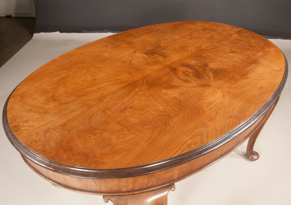 Queen Anne Style Walnut Oval Dining Table