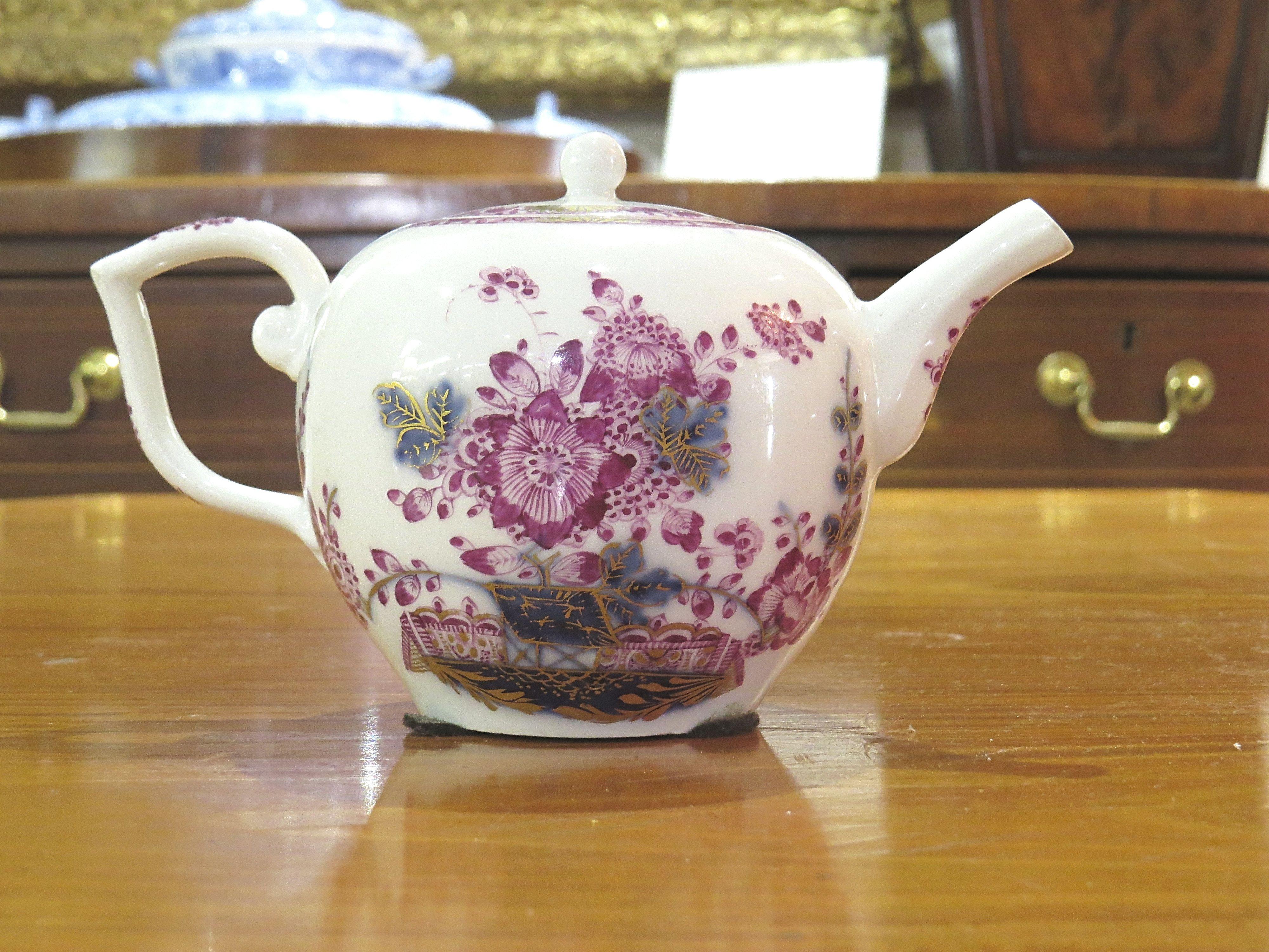 A German Meissen Teapot & Cover