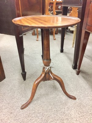 "Georgian Mahogany ""Dish Top"" Candle Stand"