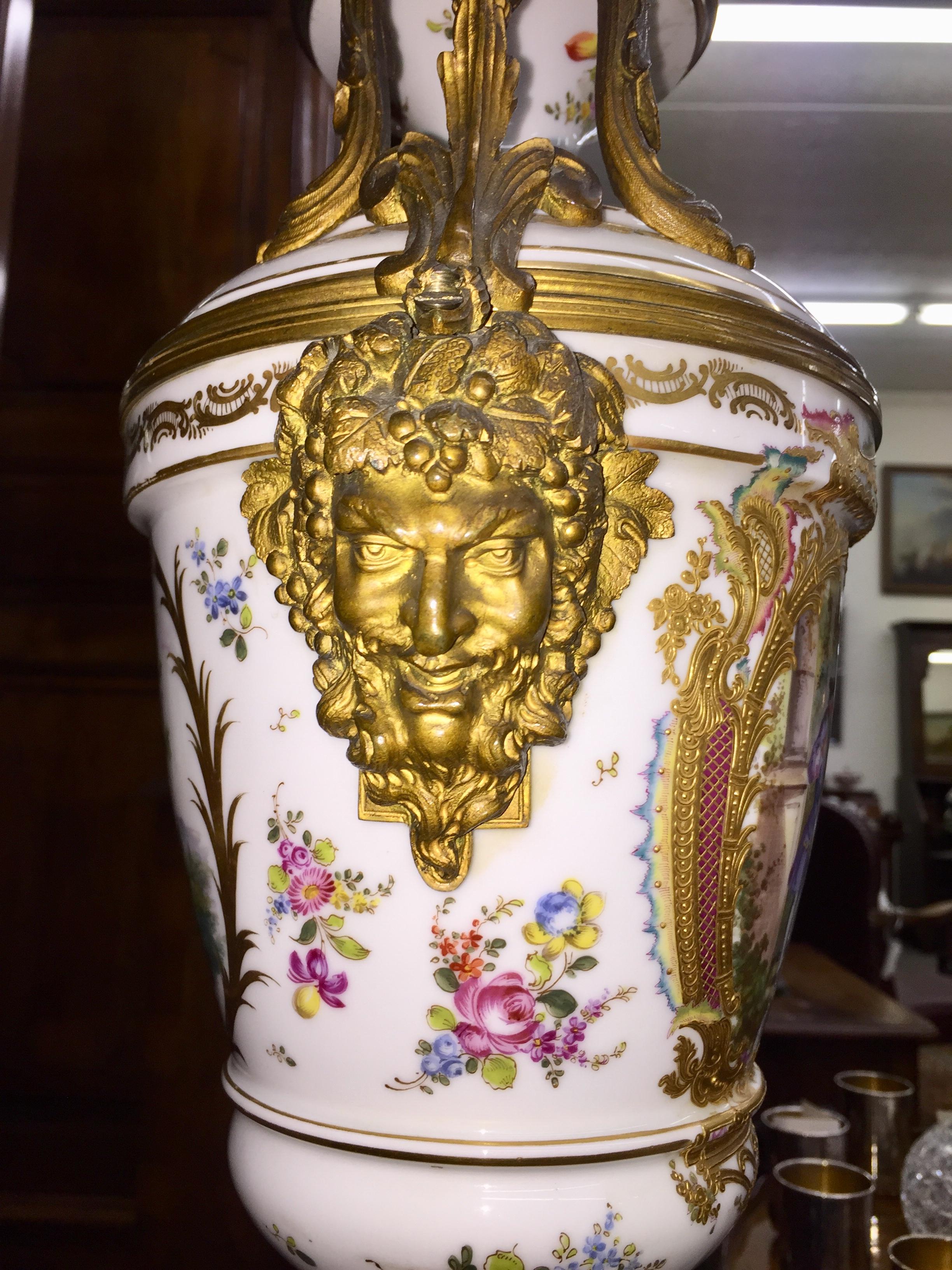 Sevrés Porcelain Capped Urn
