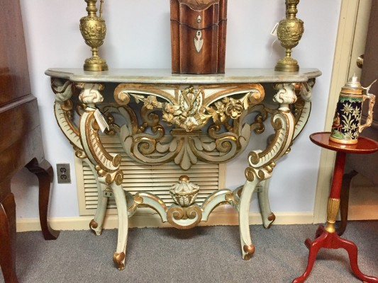 Venetian Console Table with Serpentine Front