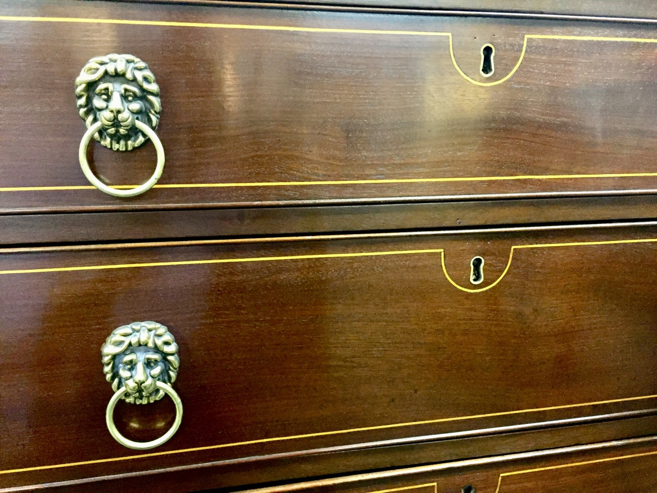 Sheraton Style Mahogany Chest with String Satinwood Inlay